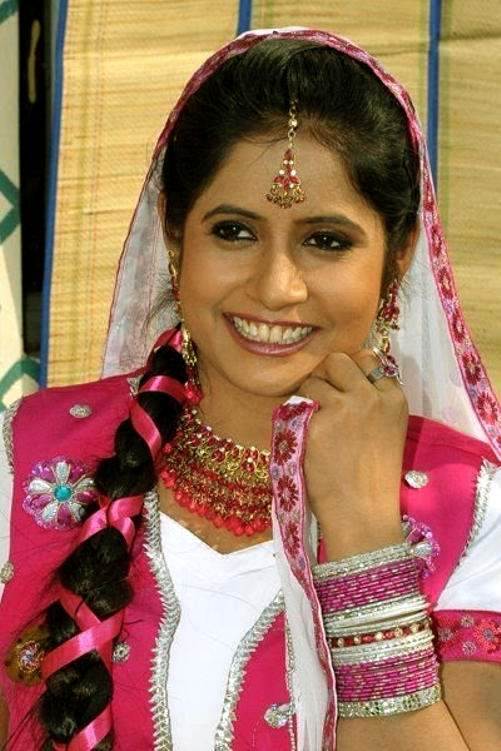miss pooja lyrics